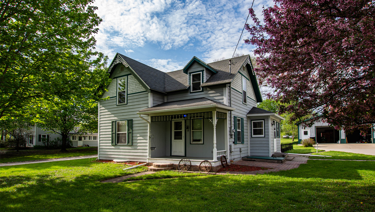 Redfield Home Full of Character